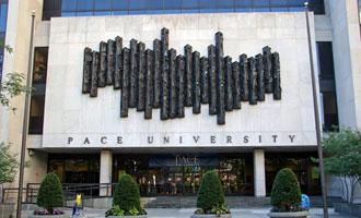 Englischkurs für Schüler auf einem Uni Campus in New York, USA